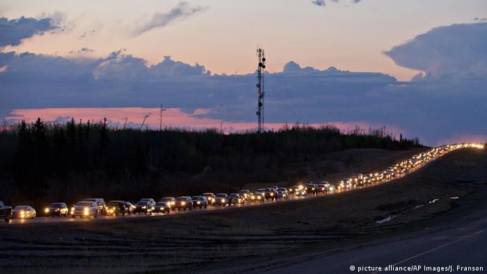 Kanada Evakuierung der Einwohner von Fort McMurray (picture alliance/AP Images/J. Franson)