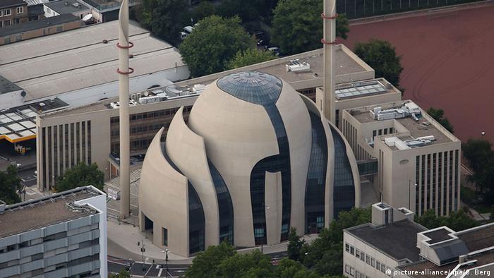 Deutschland Zentralmoschee Köln Ehrenfeld (picture-alliance/dpa/O. Berg)