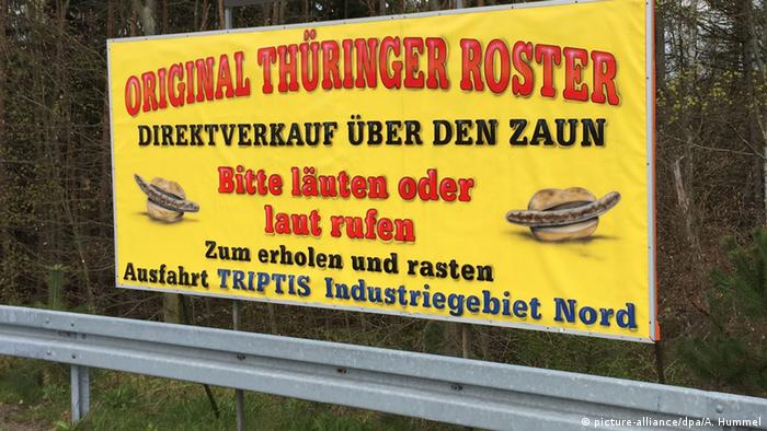 Bratwurst sign Copyright: picture-alliance/dpa/A. Hummel