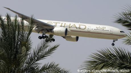 Etihad Airways Flugzeug (picture-alliance/AP Photo/K. Jebreili)
