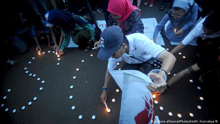 Indonesien Vergewaltigung Demo