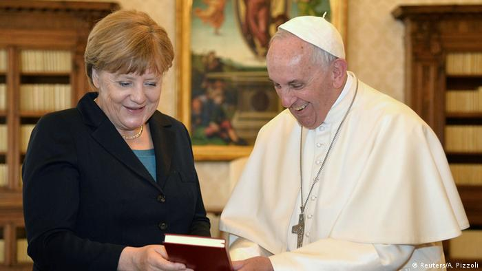 Angela Merkel with Pope Francis I, Copyright: Reuters/A. Pizzoli