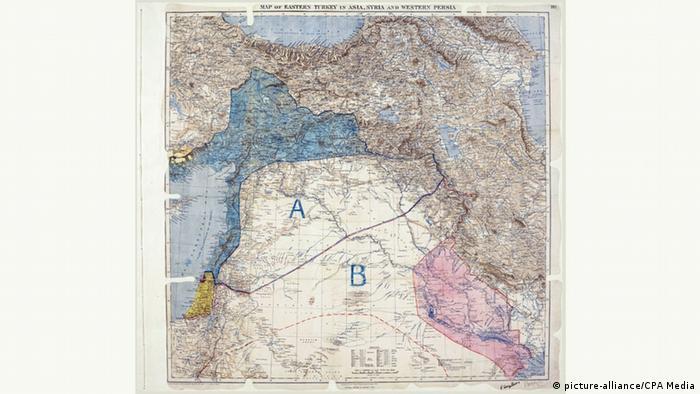 Orginalna karta sporazuma. Područje pod francuskim mandatom je plave boje, a britanskim crvene.