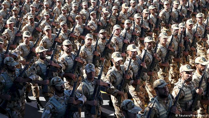 Iran Soldaten Parade (Reuters/President.ir)