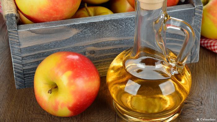 Lebensmittel Apfelessig Obstessig (Colourbox)