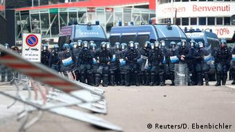 Riot police at Brenner pass