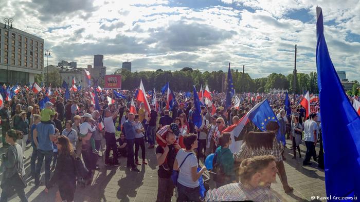 Polen Demonstrationen in Warschau Panorama