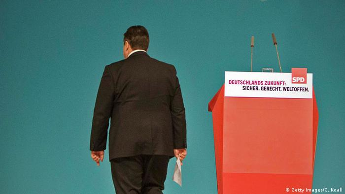 Sigmar Gabriel leaving the podium at the SPD party conference