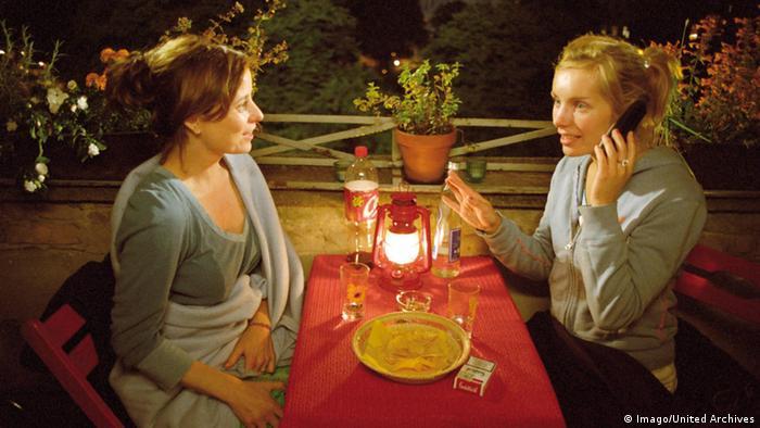 Filmszene aus dem Film 'Sommer vorm Balkon' (Foto: mago/United Archives)