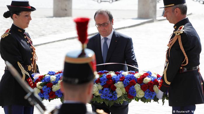 French President Francois Hollande leads VE Day ceremonies in ...