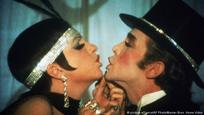 Filmszene aus dem Film 'Cabaret' von 1972 (Foto: picture-alliance/AP Photo/Warner Bros)