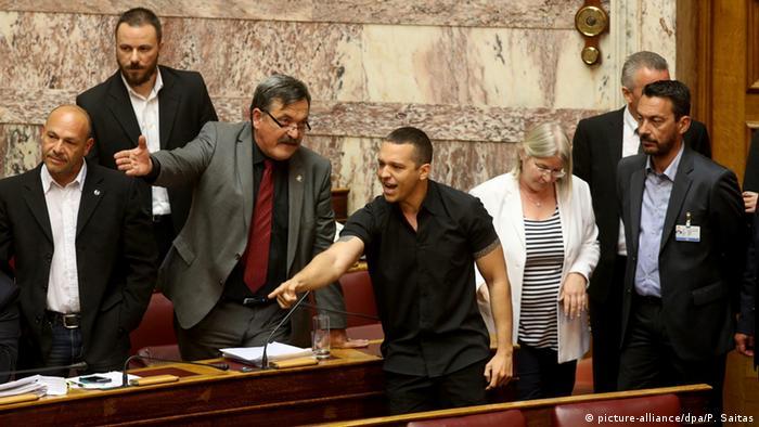 Griechenland Athen Parlament Abgeordnete Streit