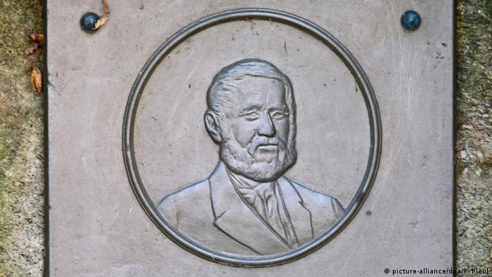 Bronzeplatte Hermann Fürst von Pückler-Muskau