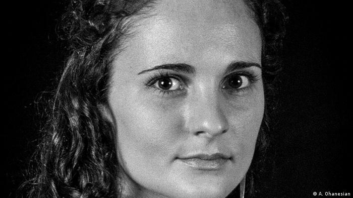 Portrait von Anja Niedrighaus, Foto von Adriane Ohanesian