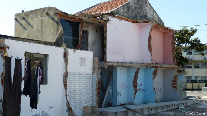 Demolição no Bairro 6 de Maio