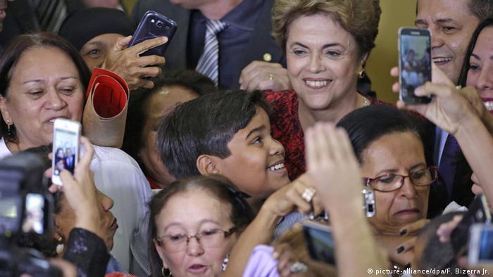 Brasilien Brasilia Präsidentin Dilma Rousseff trifft Studenten
