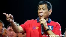 09.05.2016+++++++Duterte poised to win Philippine presidential race, quick-count shows Philippine presidential candidate Rodrigo Duterte speaks to supporters in Manila on May 9, 2016. A quick-count has shown that the longtime mayor of Davao on Mindanao island is poised to win the race. (c) Imago/Kyodo News