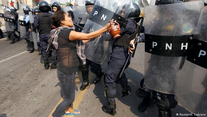Manifestación indígena por justicia termina en choques.