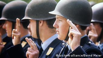 Deutschland Bundeswehr Rekruten der Bundesluftwaffe