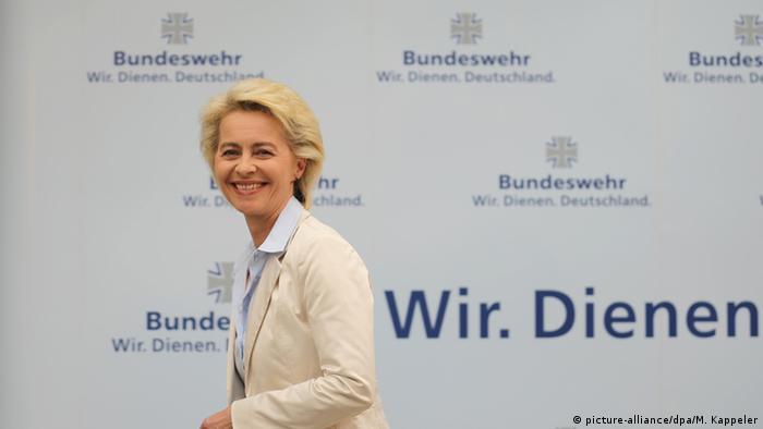 Deutschland Ursula von der Leyen stellt das neue Personalkonzept der Bundeswehr vor