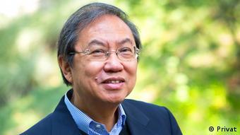 Joseph Yu-Shek Cheng Politikwissenschaftler