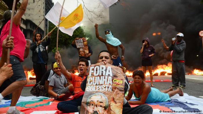Brasilien Protest gegen Amtsenthebungsverfahren der Präsidentin Dilma Rousseff