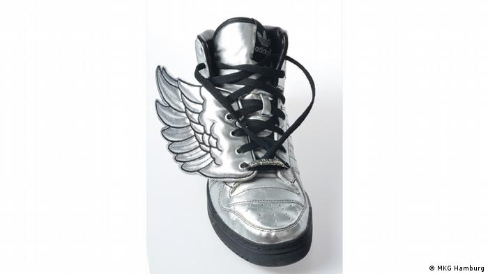 Basketball shoe model 'Wings' from 2009, Copyright: Museum für Kunst und Gewerbe Hamburg