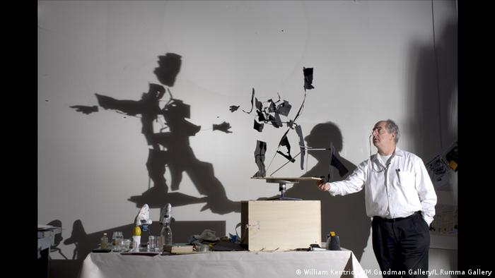 William Kentridge in seinem Studio bei der Arbeit amFilm 'Return'. Foto: William Kentridge/M.Goodman Gallery/L.Rumma Gallery