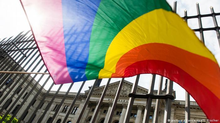 Symbolbild Homosexualität Deutschland Bundesrat in Berlin