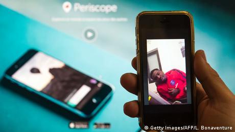 Symbolbild App Periscope (Getty Images/AFP/L. Bonaventure)