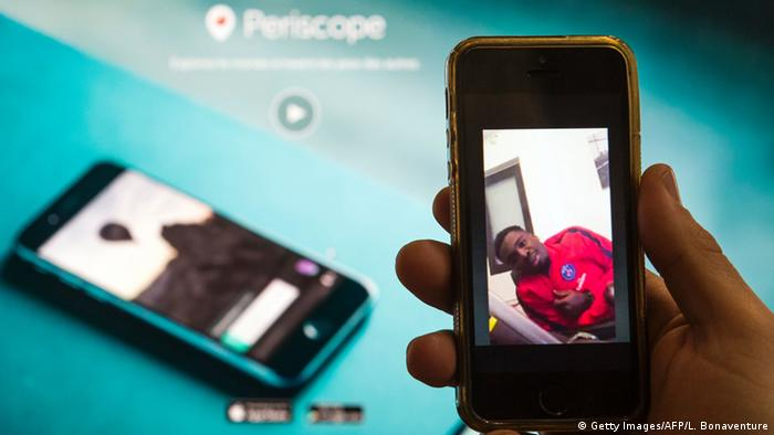 Symbolbild App Periscope (Getty Images/AFP/L. Bonaventure)
