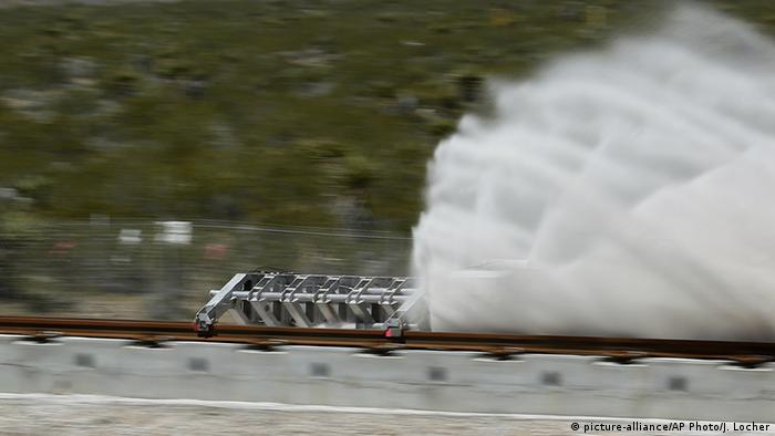 USA Test Hyperloop One propulsion system