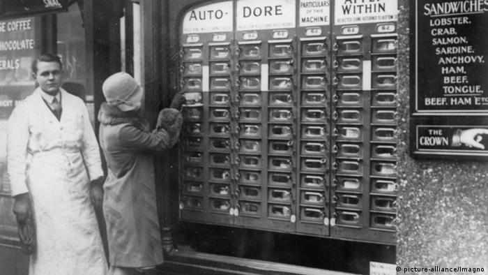 Lebensmittelautomat in London historisch