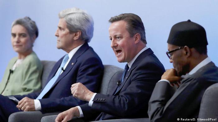 Девід Кемерон (другий праворуч) виступає на міжнародному саміті щодо боротьби з корупцією в Лондоні 12 травня