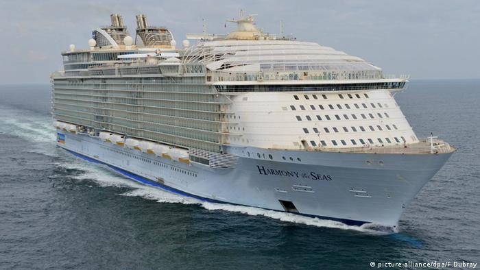 Harmony of the Seas (picture-alliance/dpa/F.Dubray)