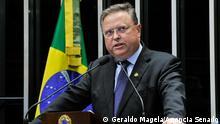 ***Achtung: Nur zur abgesprochenen Berichterstattung verwenden!*** Titel: Brasilien Blairo Maggi Beschreibung: Der brasilianische Senator Blairo Maggi (PR-MT). Copyright: Geraldo Magela/Agência Senado https://www.flickr.com/photos/agenciasenado/15661348242/in/photolist-pRWvcy-pjHmfQ-pWpc74-qdQGok-kj6Pov-soabTa-rytWJe-senkRo-s93NTa-pWqyTX-pyEWnn-rrmfbi-s92cWQ-khj4Cm-rrAkUM-qrcTpS-pjHmmw-pfz1oM-fuR7qt-pyBjgw-qAJaNw-raT5rE-rsjWaT-rG6ro7-ph5Sci-sHEMV3-skt6FE-rpd3Ai-rpCXTJ-qqcTw3-pP1xNQ-pqnr5H-qbZYbJ-r4JcrW-oCVoD2-oY5NfT-rYJUTV-ip3yJy-gH5YsR-rNX1XT-oBJKJY-stdMkL-e8r5zv-r4Hn7h-pUmWwC-rxCbC7-r23Maz-r4HmSj-rfgrm4-qJvFpj