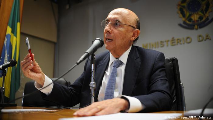 Brasil: Nos EUA com o FMI, Henrique Meirelles da Fazenda diz está otimista com a econômica brasileira