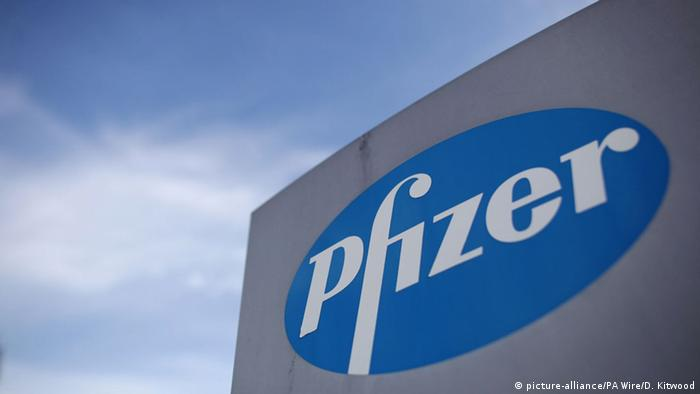 Pfizer Firmenlogo (picture-alliance/PA Wire/D. Kitwood)