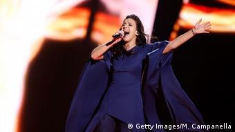 Певица Джамала исполняет свою песню на Евровидении в Стокгольме, май 2016
