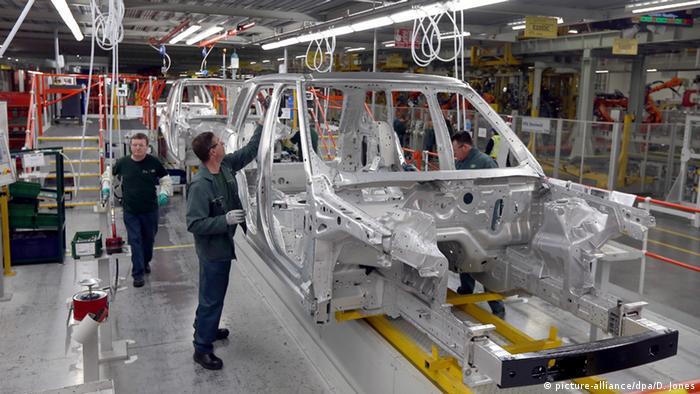 England Jaguar Land Rover Autofabrik in Solihull (picture-alliance/dpa/D. Jones)