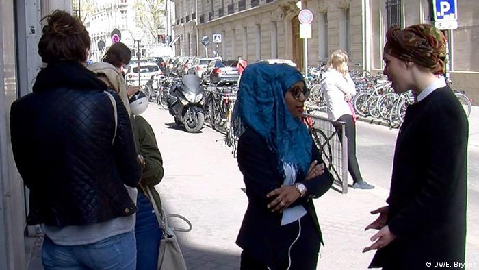 Dieynaba Thioune normally only wears a hijab at home during friday prayers (photo: DW/E. Bryant)