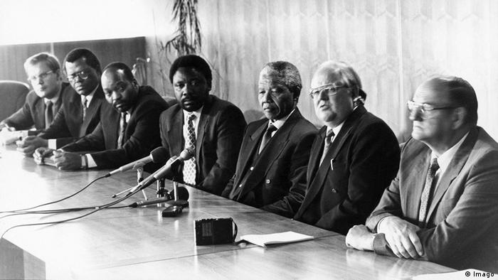 Jacob Zuma and Nelson Mandela at talks with the African Union in 1993