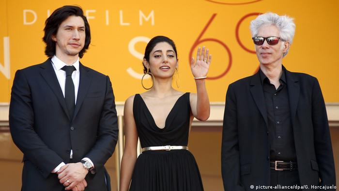 Adam Driver, Golshifteh Farahani and Jim Jarmusch in Cannes for the premiere of the film Paterson (picture-alliance/dpa/G. Horcajuelo)