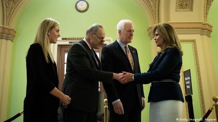 USA Washington Senatoren John Cornyn und Chuck Schumer