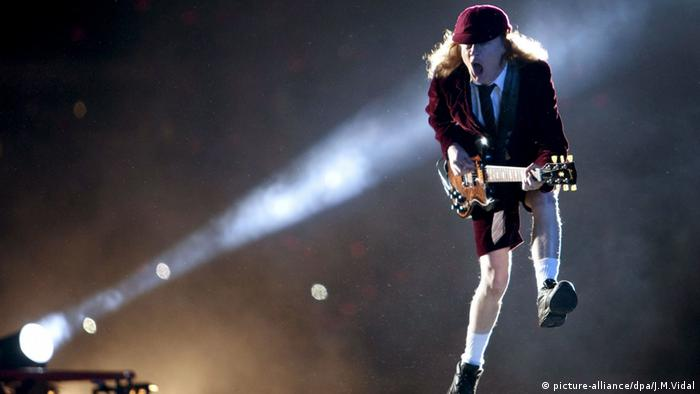 Angus Young on stage. Copyright: dpa