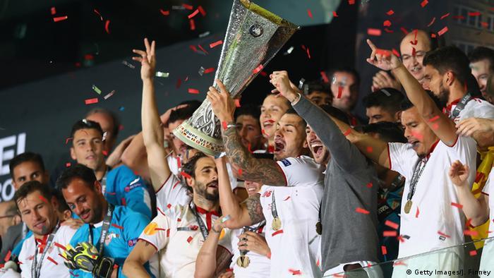 Europa League final: Coke sparkles as Sevilla defeat