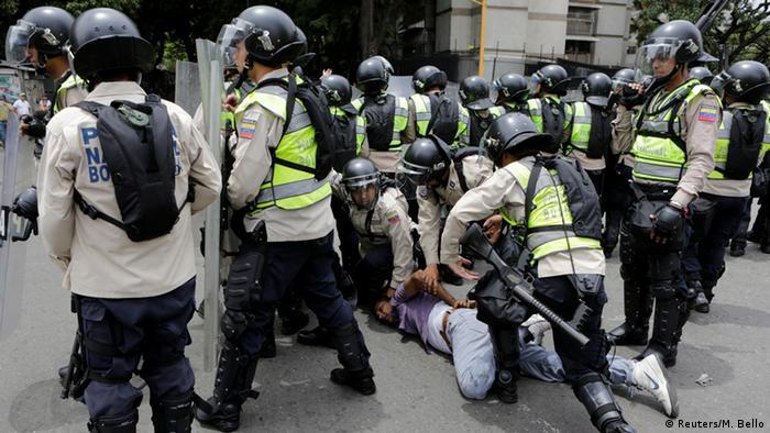 Ação policial em protesto na Venezuela