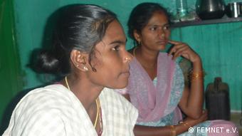 Indien Frauen in Spinnerei in Tamil Nadu