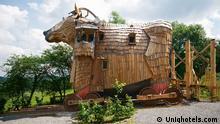 Titel: DW Hotel Trojanisches Pferd 1 Schlagworte: La Balade des Gnomes, Durbuy, Hotel Wer hat das Bild gemacht/Fotograf?: uniqhotels.com Wann wurde das Bild gemacht?: Wo wurde das Bild aufgenommen?: Durbuy, Belgien Bildbeschreibung: Innenansicht Zimmer
