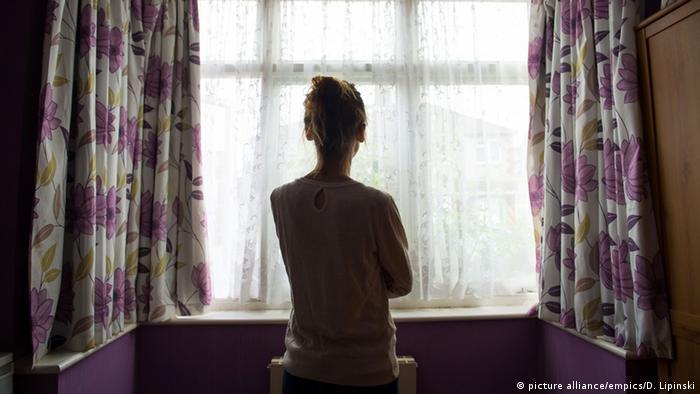 Symbolbild Menschenhandel in der EU (picture alliance/empics/D. Lipinski)
